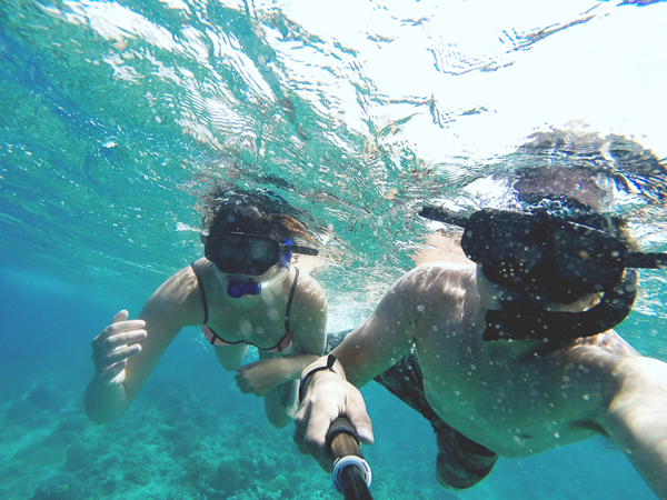 snorkel fiji how to strengthen your relationship while travelling